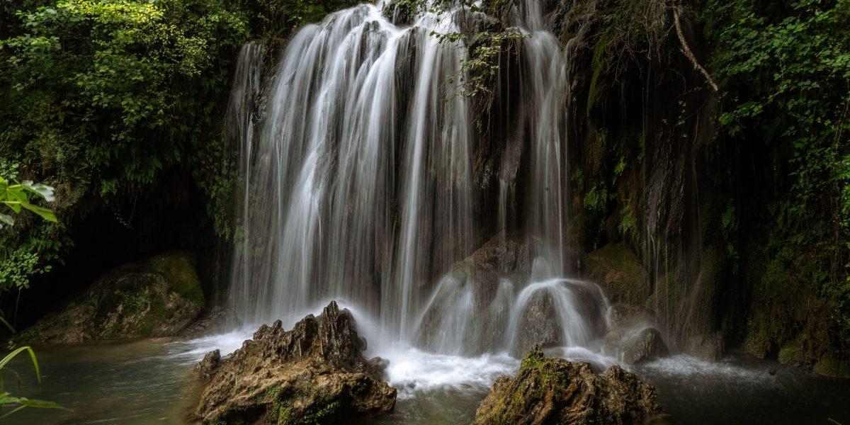waterfall-3596509_1920